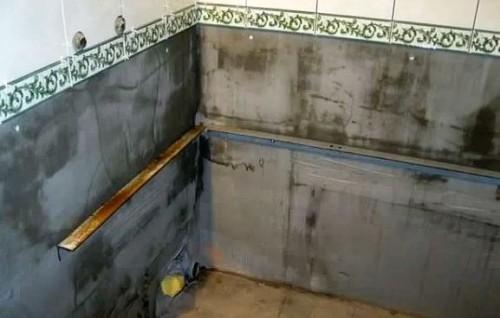 Установка ванны своими руками стена 10