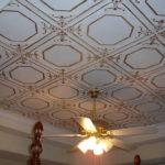 Потолок из плитки: особенности, поклейка, советы