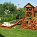 Площадка для детей: купить готовый вариант или построить своими силами