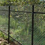 Как сделать забор из сетки рабицы своими силами?